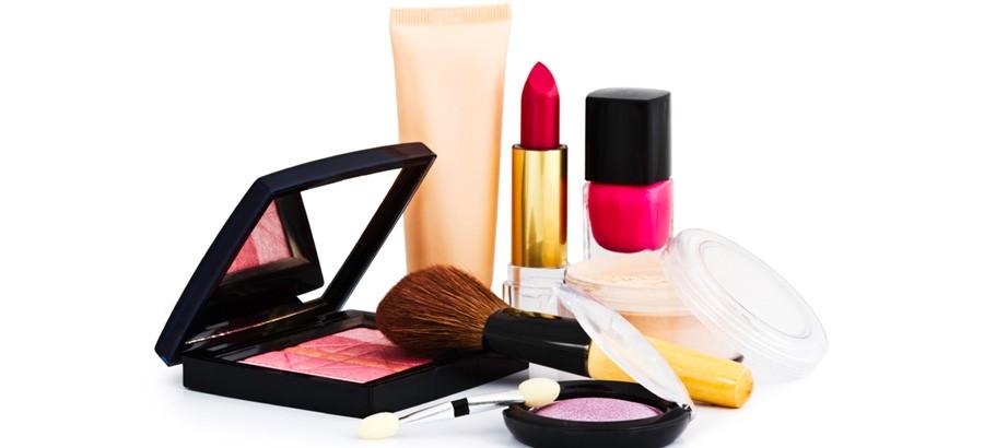 Tips Memilih Kosmetik Yang Aman Untuk Wajah